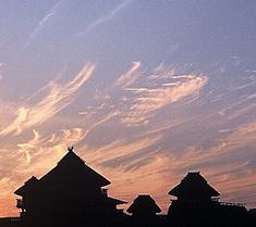 佐賀県武雄温泉物産館|観光案内〜吉野ヶ里遺跡